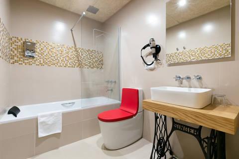 35be4-banera-habitacion-hotel.jpg