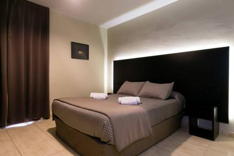 84834-habitacio-matrimoni-hotel--2-.jpg
