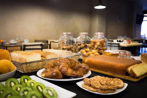 9fdb0-hotel-montmar-desayuno--4-.jpg